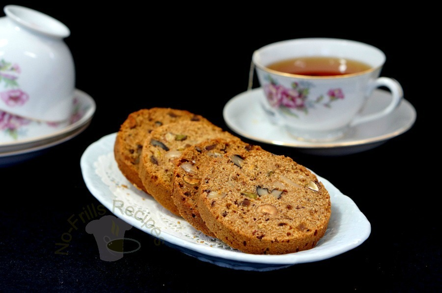 Mixed nuts and Date tea bread baked in a Nut Loaf Tin ~  坚果干枣蛋糕