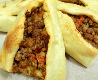 Turkish Pide with Ground Beef (Kiymali Pide)