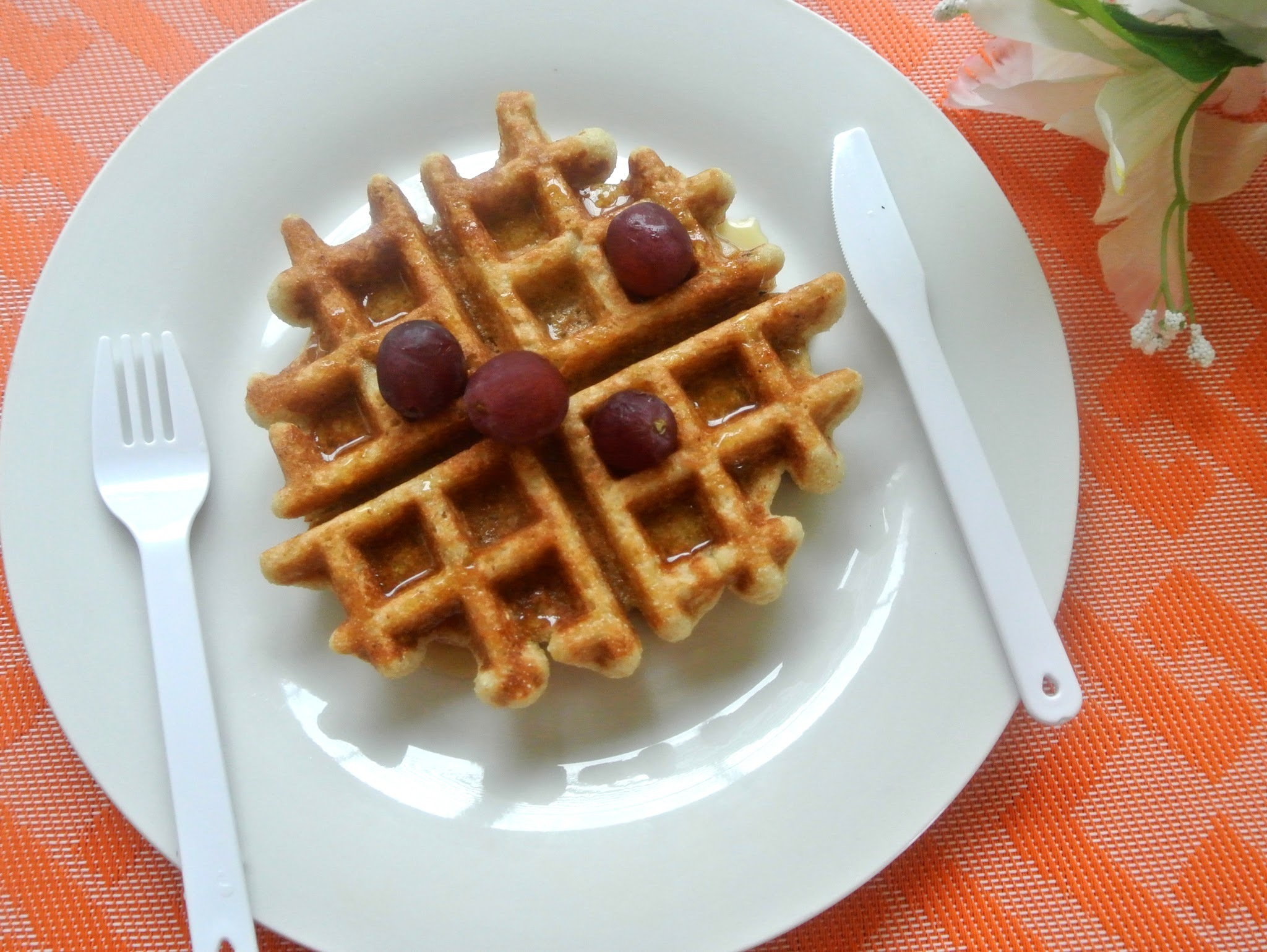 Oats, Little millet and Apple Waffles / Apple Millet Waffles