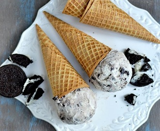 Cookies and Cream Ice Cream (Eggless Recipe)