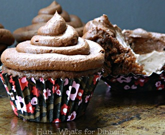 Hot Chocolate Mousse Cupcakes