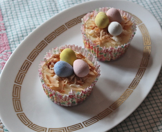 Mini Cheesecakes,  (or what I brought to Easter dinner)