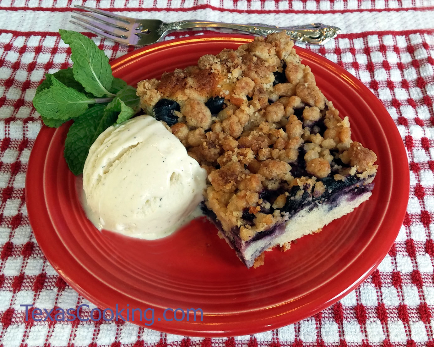 Blueberry crumbcake