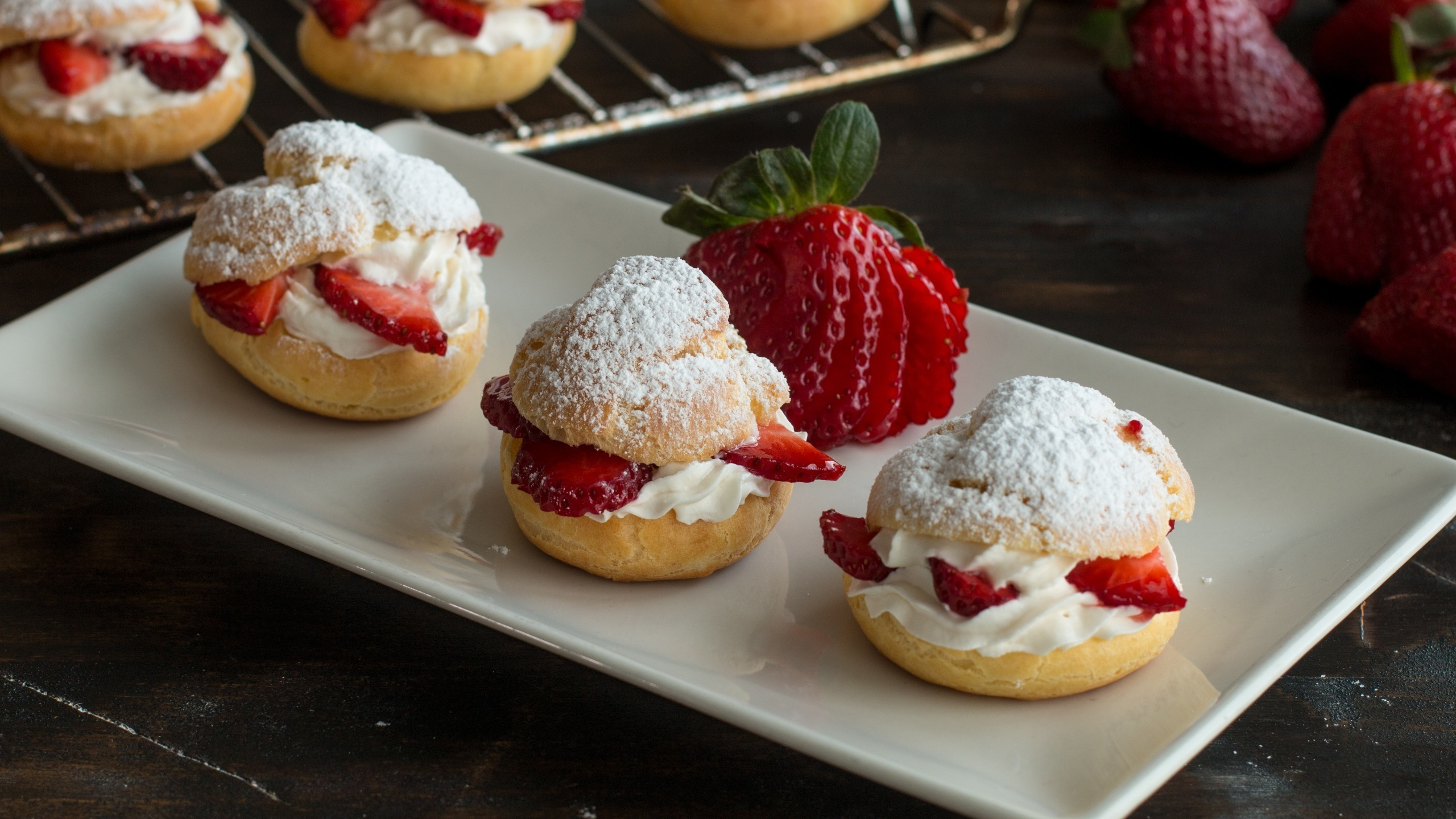 Strawberry Cream PuffsStrawberry Cream Puffs