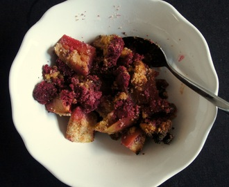 Coconut flour raspberry and apple crumble