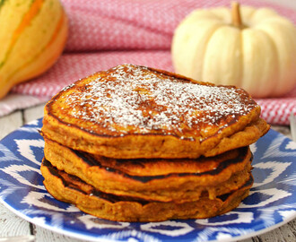 Pumpkin Pie Pancakes – Hot Cakes de Pay de Calabaza
