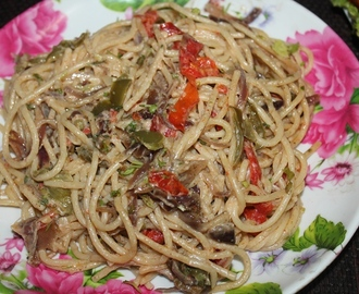 Pasta Peperonata Recipe - Spaghetti with Peppers & Onions