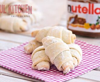 Delicious Nutella crescents rolls