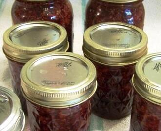 Wonderful Raspberry Mango Jam