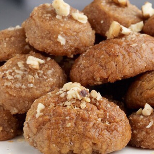 Melomakarona. Honey Cookies  ingredients 2 cups flour 4 cups...