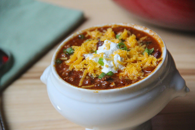 The Best Chili Con Carne On Earth & Lodge Cast Iron Giveaway