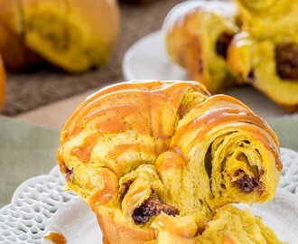 Nutella Stuffed Pumpkin Cruffins with Pumpkin Glaze