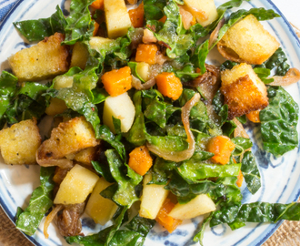 Butternut Squash Panzanella Salad with Apples and Kale