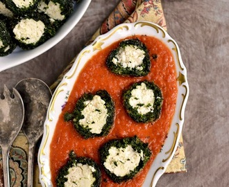 Shaam Savera (Spinach-Paneer balls in Tomato sauce)