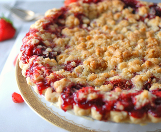 Strawberry Crumble Pie