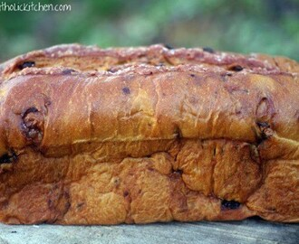 Lithuanian Easter Raisin Bread #breadbakers