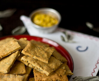 Paleo Crackers with Mustard and Sage – guest post from Irena of Paleo Pumpkin