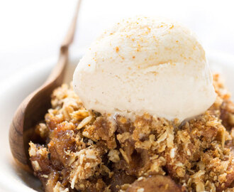 Slow Cooker Quinoa Apple Crisp