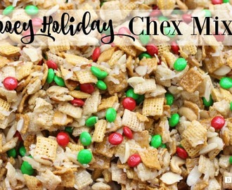 GOOEY HOLIDAY CHEX MIX