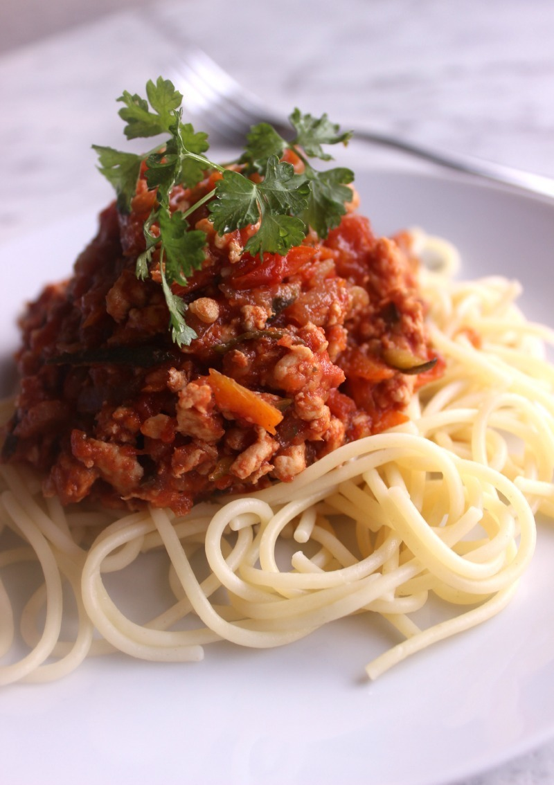 KID APPROVED! Slow cooker healthy chicken spaghetti Bolognese