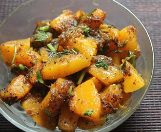 Khatta Meetha Kaddu Recipe - Sweet & Sour Pumpkin Curry Recipe