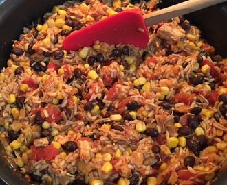 15 Minute Mexican Chicken and Rice Skillet