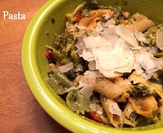 Quick and Easy Veggie Pesto Pasta