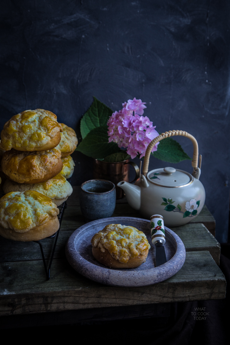 Pineapple buns (po lo bao) – updated