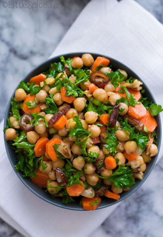 MOROCCAN CARROT CHICKPEA SALAD