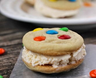 M&M's® Ice Cream Sandwich Cookies Family Night Treat