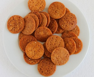Til-Gud-ki-Meethi-Papdi (Sesame & Jaggery Whole Wheat Sweet Crackers)