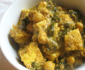 Paneer and Spinach in a Spicy Tomato Sauce with Chickpeas (Paneer Palak)