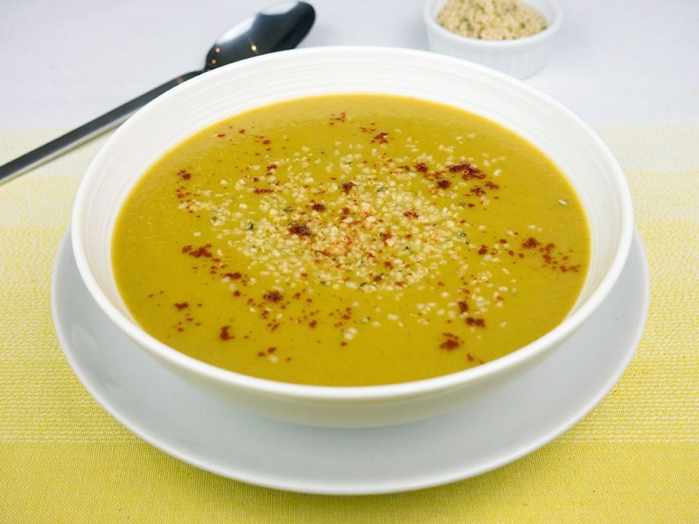 Spicy sweet potato and pak choi soup with hemp seeds