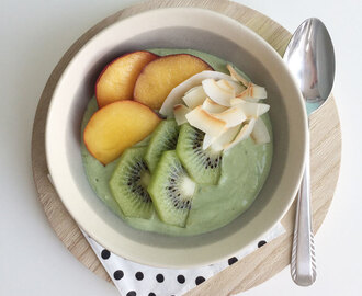 Matcha breakfast bowl