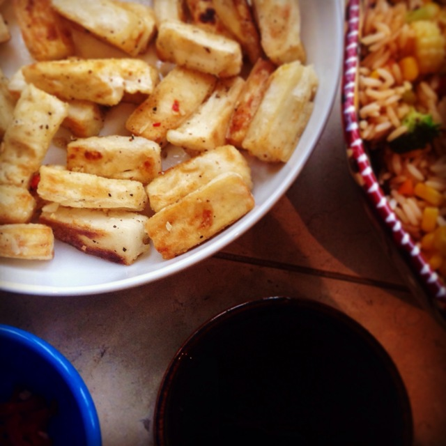 Salt and pepper tofu with dipping sauce
