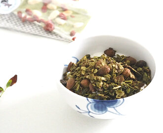 Crunchy & Energizing Matcha Granola For The Perfect Morning