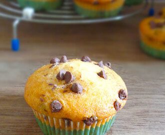 Chocolate Chip Muffins | Eggless Cupcakes