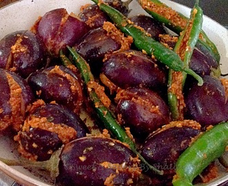 Gujrati Style Bharwa Baigan ( stuffed eggplants )