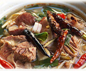 THAI HOT SOUP WITH BEEF