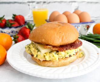 Eggslut-Inspired Breakfast Sandwich