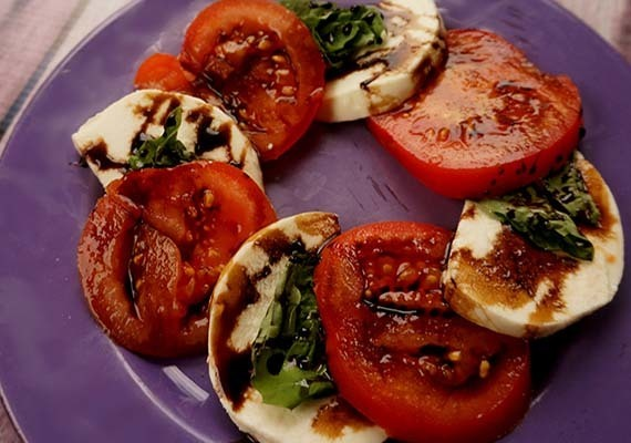 Caprese Salad with Sweet Balsamic Reduction (Plus a Giveaway!) #FoodBloggerLove