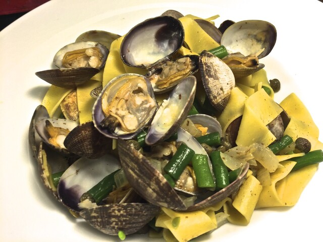 Perfect for a Meal When You Come Home Tired and Hungry - Easy to Make Clams, Green Beans and Pasta
