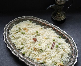 GHEE RICE WITH GREEN PEAS