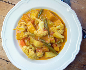cauliflower and butternut squash coconut curry