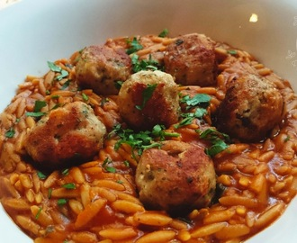 Greek meatballs & kritharaki (orzo) in tomato sauce