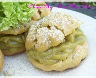 Green Tea Cream Puffs
