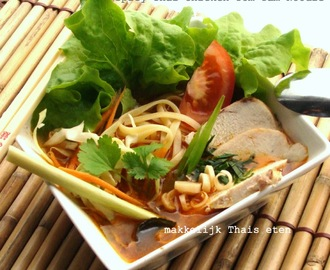 Spicy Thai Chicken Tom Yam Noodle/ Pittige Thaise noodel met kipfilet