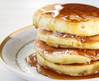 Simple Fluffy Sour Cream Pancakes