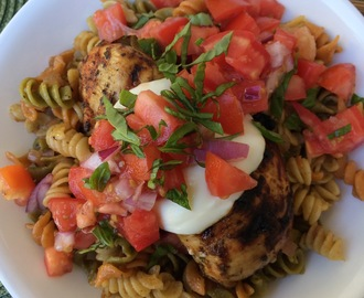 Bruschetta Balsamic Chicken and Pasta {McCormick Grill Mates Tomato, Garlic and Basil}