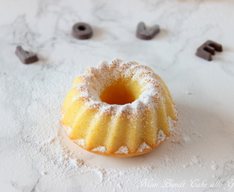 Mini bundt cake allo yogurt